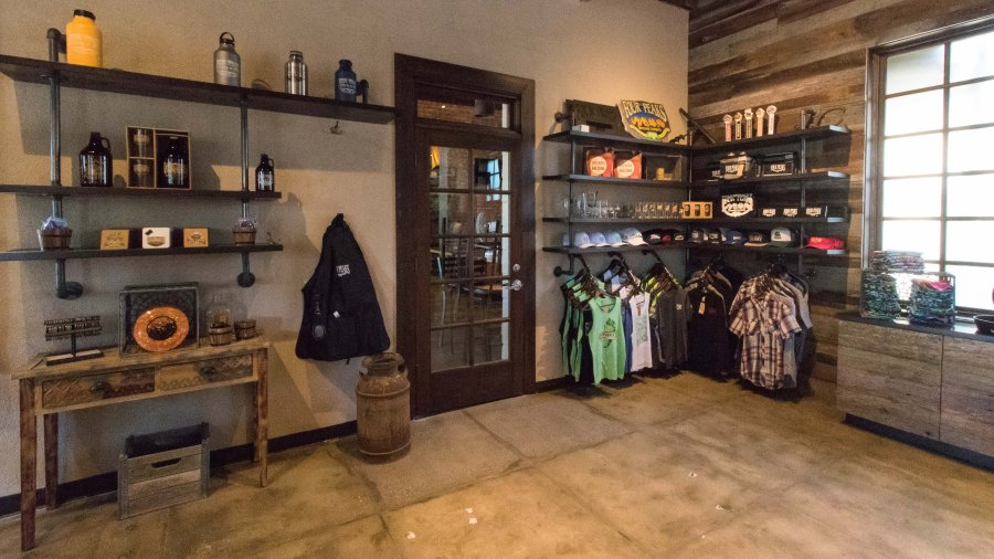 Retail Room at 8th St - 1